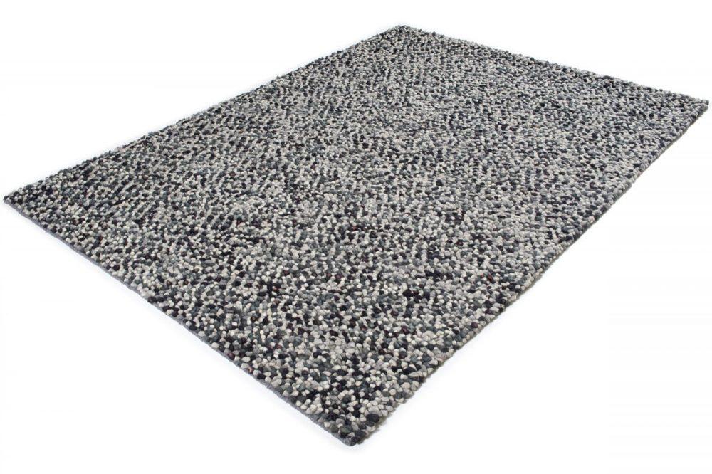 Wool pebble
